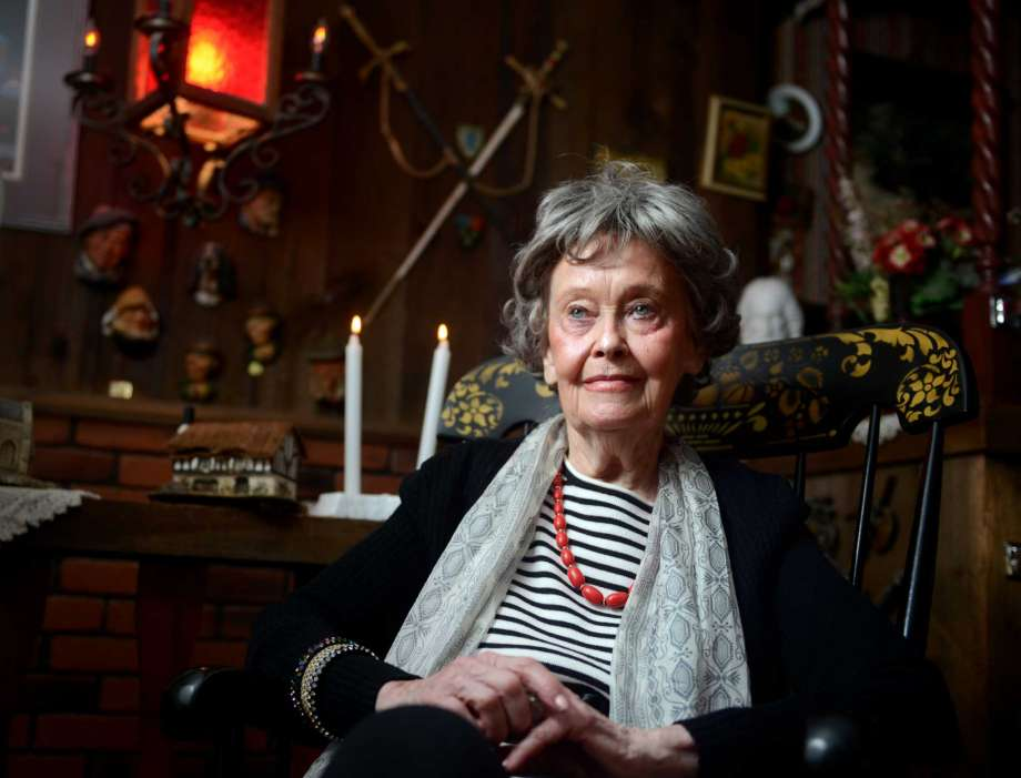 Famed Paranormal Investigator Lorraine Warren Dies at 92