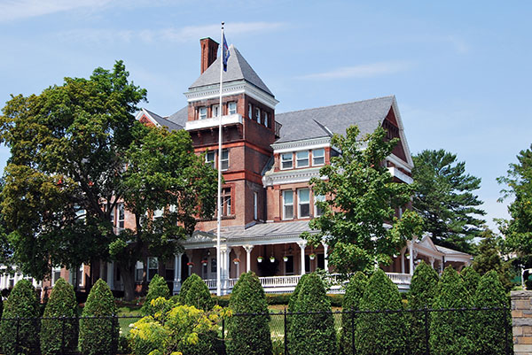 New York Governor's Mansion is Haunted, Claims Former Governor