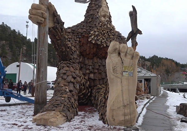 World's Largest Wooden Bigfoot Sculpture Goes on Display