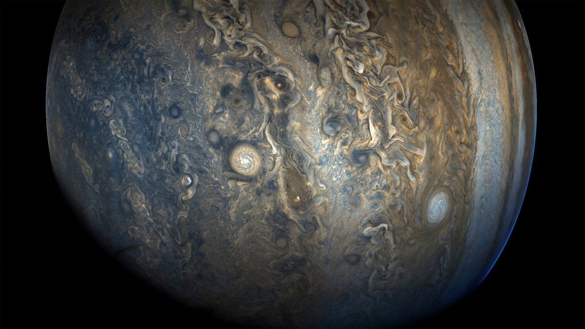 Stunning New Photos of Jupiter Returned by Space Probe