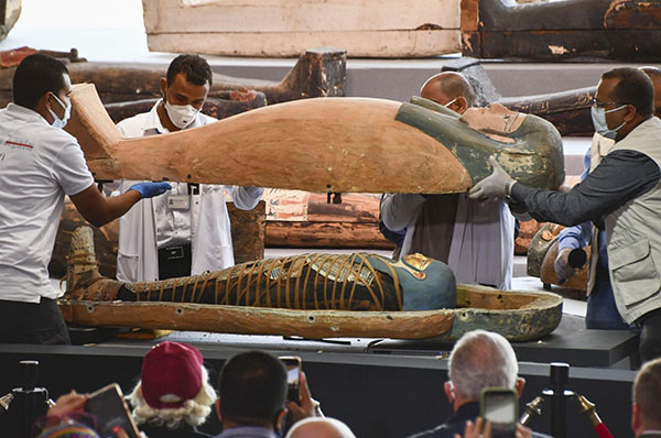 Egyptologists Unearth 160 Sarcophagi in 'City of the Dead'