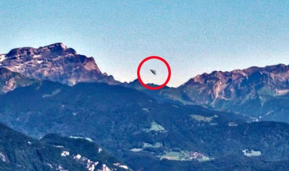 Holiday Makers Snap 'UFO' in Swiss Alps