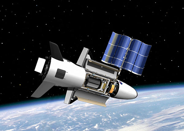 Air Force's Mysterious X-37B Space Plane Breaks Orbital Record