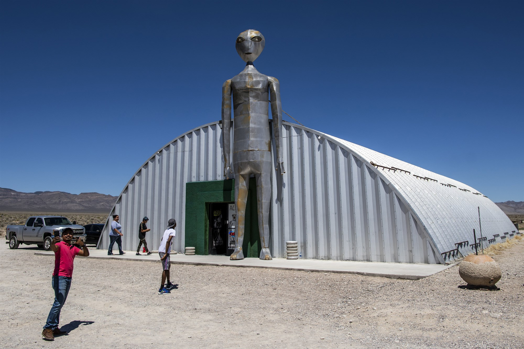 Communities Near Area 51 Plan for Influx of UFO Tourists