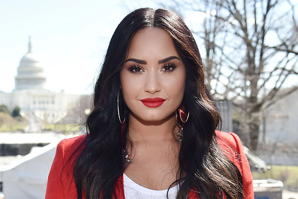 Pop Star Demi Lovato Teams up with Steven Greer for CE5 Event